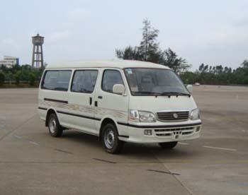 金旅 海狮 139马力 9人 加长 轻型客车(XML6532E18)