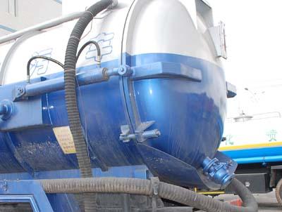 长春双龙 龙帝 160马力 4×2 吸污车(CSL5100GXWC)