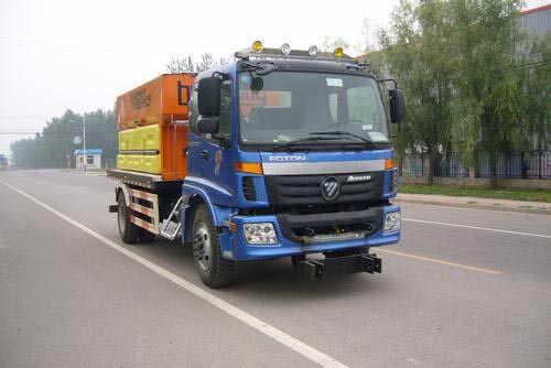 福田汽车 欧曼ETX 210马力 4×2 除雪车(BJ5163TCX-XA)