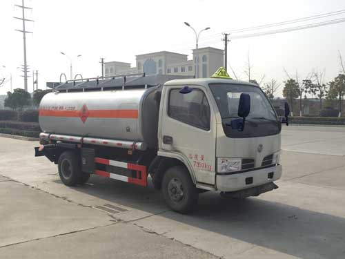湖北成龙威 楚飞 117马力 4×2 加油车(CLQ5071GJY5E)