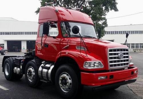 东风柳汽 龙卡重卡 300马力 6×2 牵引车(lz4230g2ca)