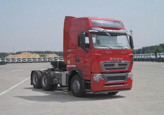 中国重汽 HOWO-T7H 重卡 440马力 6×4 牵引车(ZZ4257V324HE1B)