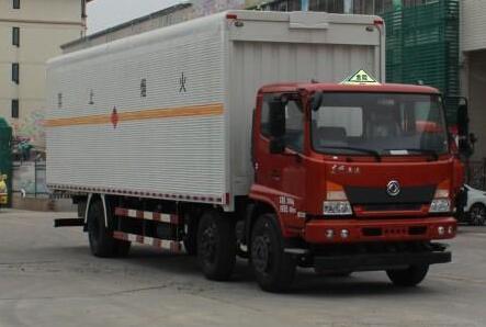 东风商用车 嘉运 210马力 6×2 易燃液体厢式运输车(EQ5250XRYGD5D)