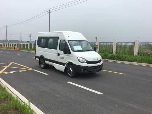 南京依维柯 欧胜 129马力 10-14人 轻型客车(NJ6576EC)