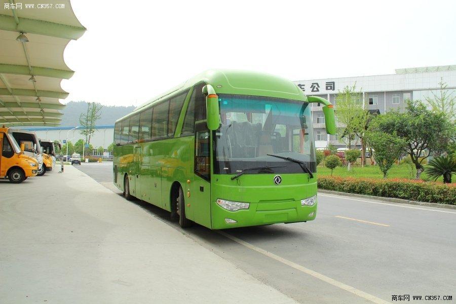东风 风尚 330马力 27-55人 客车(EQ6121L4D)