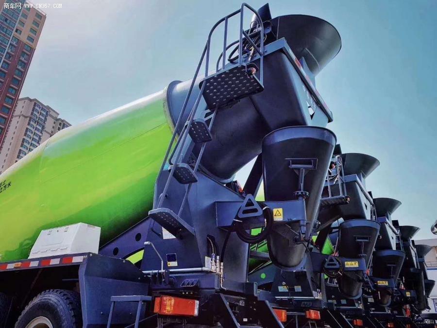陕汽重卡 德龙M3000 340马力 8×4 混凝土搅拌运输车(CLY5314GJB30E53)