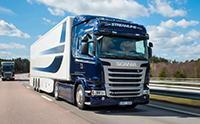 街头实拍国外货运卡车,斯堪尼亚沃尔沃达夫,全是好车啊