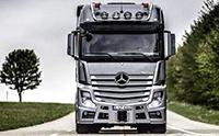 300万的奔驰重型卡车, 第一次看到这么舒适的卡车驾驶室!