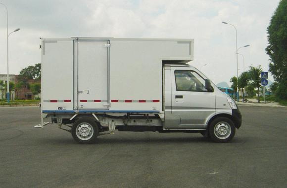 五菱厢式运输车 lqg5029xxybdfa图片