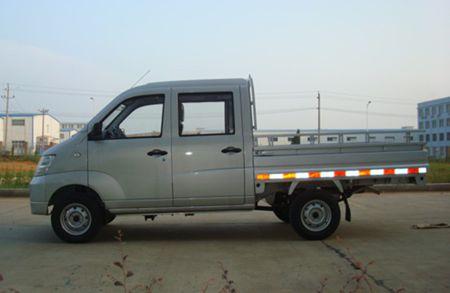 昌河铃木汽车有限责任公司 1372 70 备注 选装前雾灯;选装活动栏杆,装