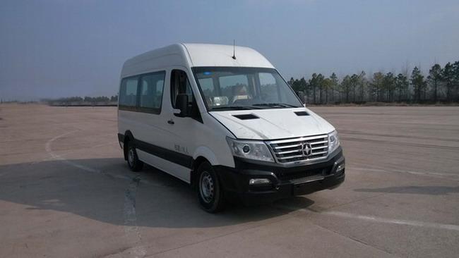 扬州亚星 亚星客车 136马力 10-16人 轻型客车 YBL6590T1QJ