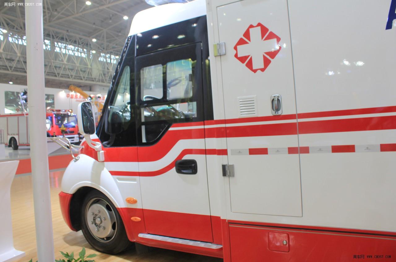 东风 重症监护型救护车