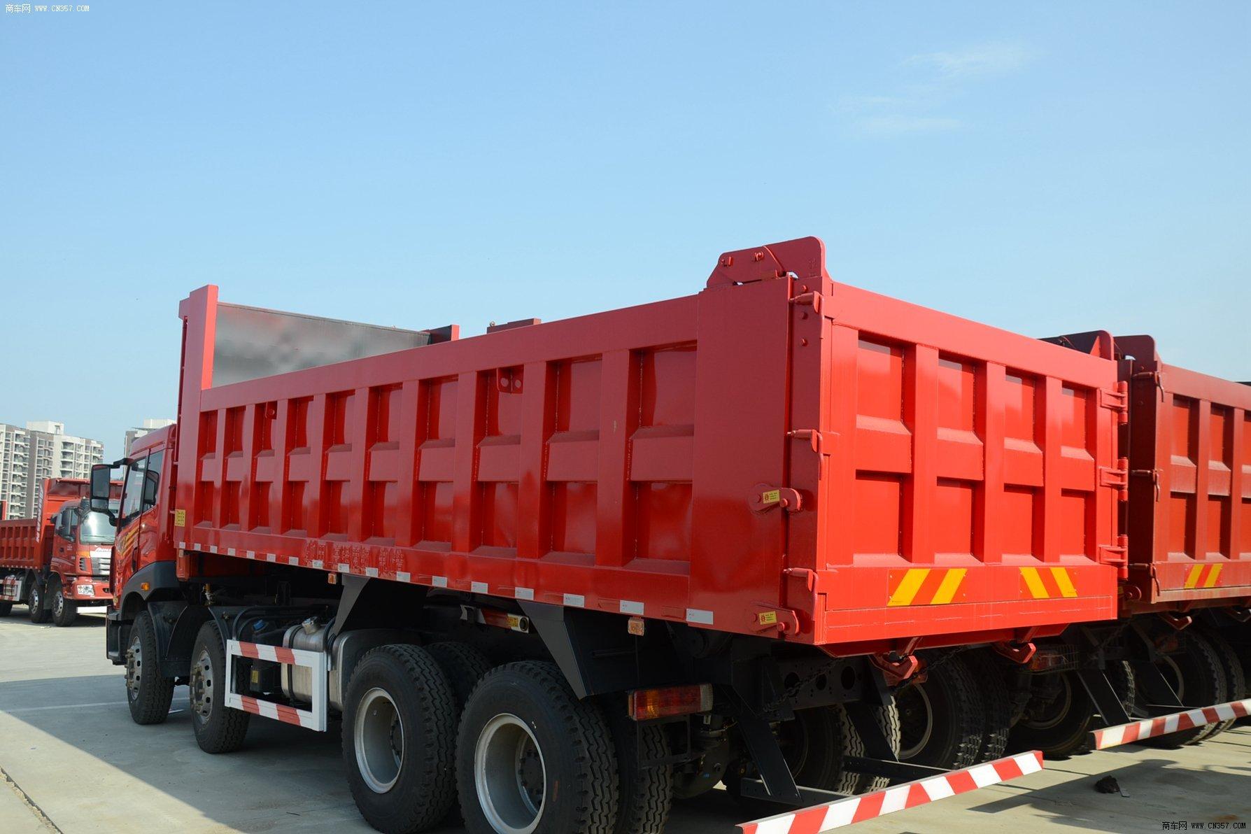 一汽青岛解放 新悍威290 重卡 290马力 8×4 自卸车 ca3310p1k2l3t4