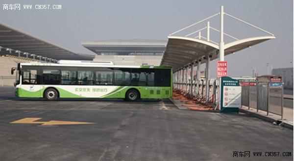 昨日,记者从公交崂山公司获悉,深圳路公交停车场将一次建设23个纯电动